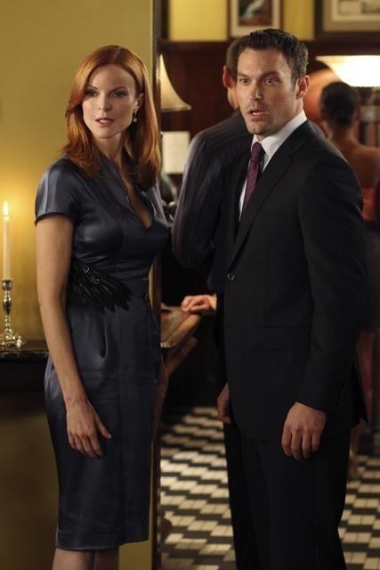 Brian Austin Green e Marcia Cross in una scena dell'episodio Pleasant Little Kingdom di Desperate Housewives