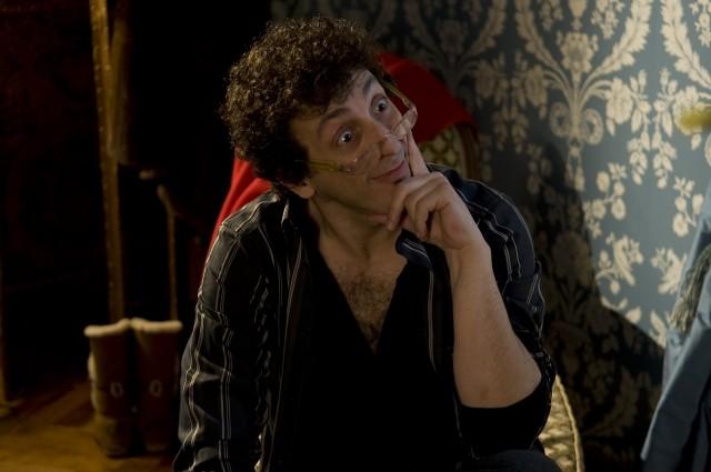 Massimo Ceccherini in una scena del film A natale mi sposo