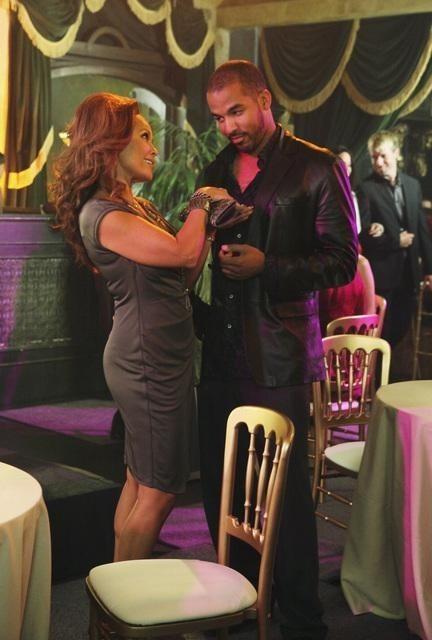 Reggie Austin e Vanessa Williams in una scena dell'episodio Let Me Entertain You di Desperate Housewives