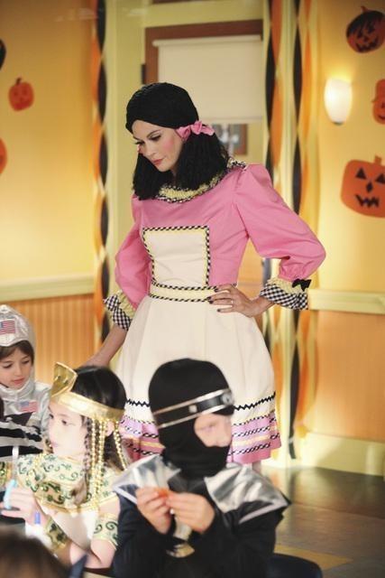 Teri Hatcher in una scena dell'episodio Excited and Scared di Desperate Housewives