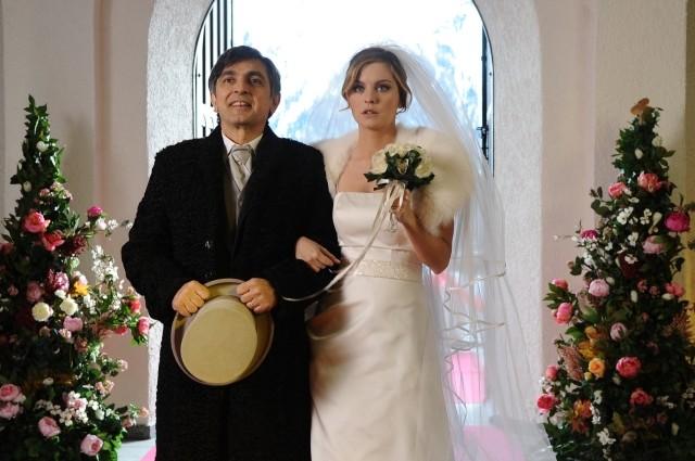 Vincenzo Salemme con Lucrezia Piaggio nel film A Natale mi sposo