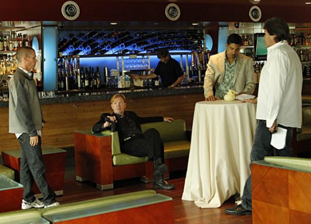 David Caruso e Adam Rodriguez in CSI: Miami nell'episodio Happy Birthday