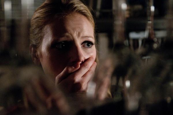 Una terrorizzata Emma Bell in Final Destination 5