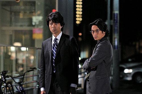 Tôru Nakamura e Yosuke Kubozuka in una sequenza di Strangers in the City