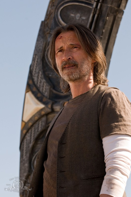 Robert Carlyle in una scena dell'episodio Malice di Stargate Universe
