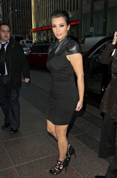 Kim Kardashian arriva e parte dagli studio radio Sirius