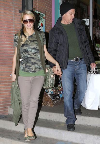 Paris Hilton e il suo fidanzato Cy Waits fanno shopping al Soap Plant di Los Feliz