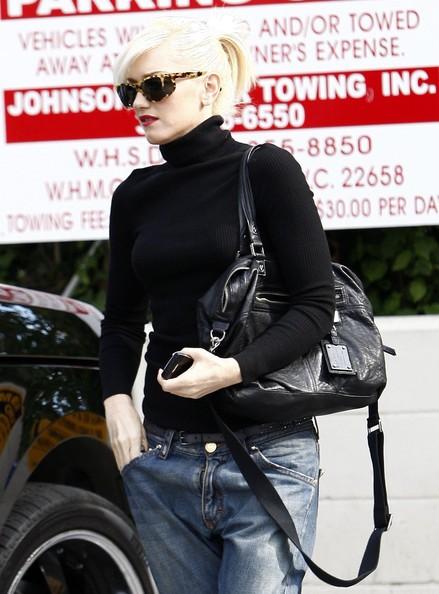 Gwen Stefani esce da un salone di bellezza in West Hollywood