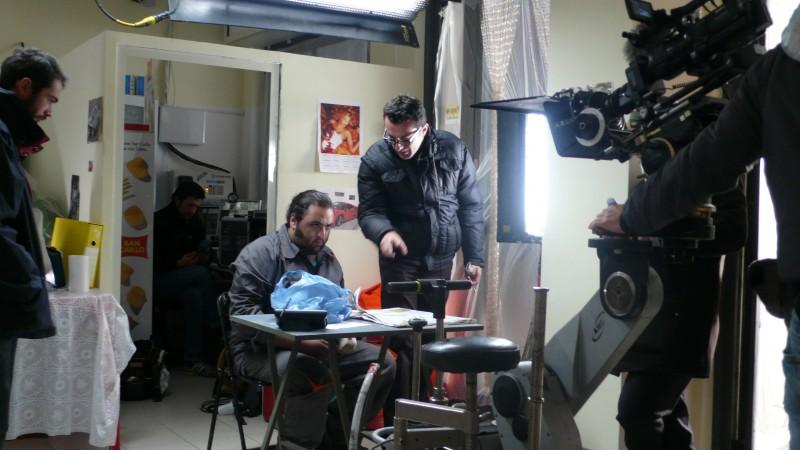 Nicolangelo Gelormini sul set di \'Caro Benzina\'.