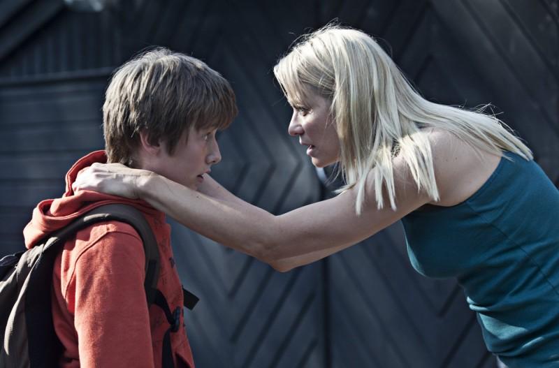 Trine Dyrholm e Markus Rygaard in una scena del dramma In un mondo migliore