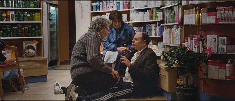 Jean-Pierre Darroussin in una scena della commedia Holiday