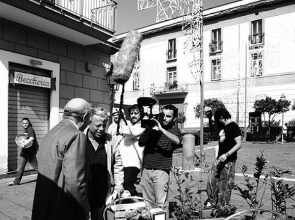 Paolo Rossi con Emanuele Dell'Aquila e Alessandro Di Rienzo in una scena di RCL - Ridotte Capacità Lavorative