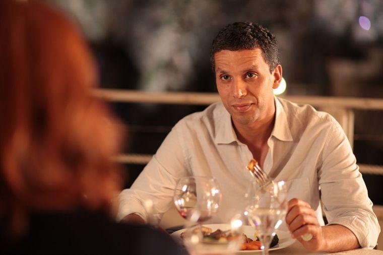 Sami Bouajila in una scena del film De vrais mensonges