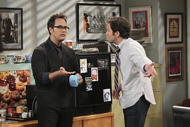 Jonathan Sadowski e Todd Stashwick in $#*! My Dad Says nell'episodio Family Dinner for Schmucks