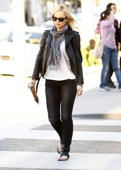 Mena Suvari fa shopping con amici a Beverly Hills
