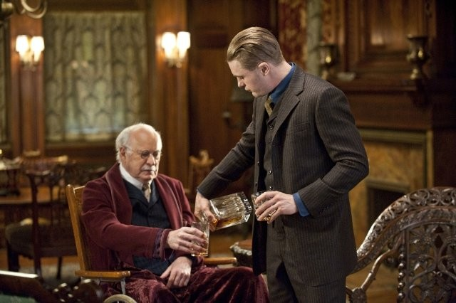 Dabney Coleman e Michael Pitt in una scena dell'episodio A Return to Normalcy di Boardwalk Empire