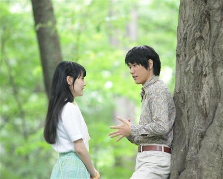 Ken'ichi Matsuyama e Rinko Kikuchi nel film Norwegian Wood