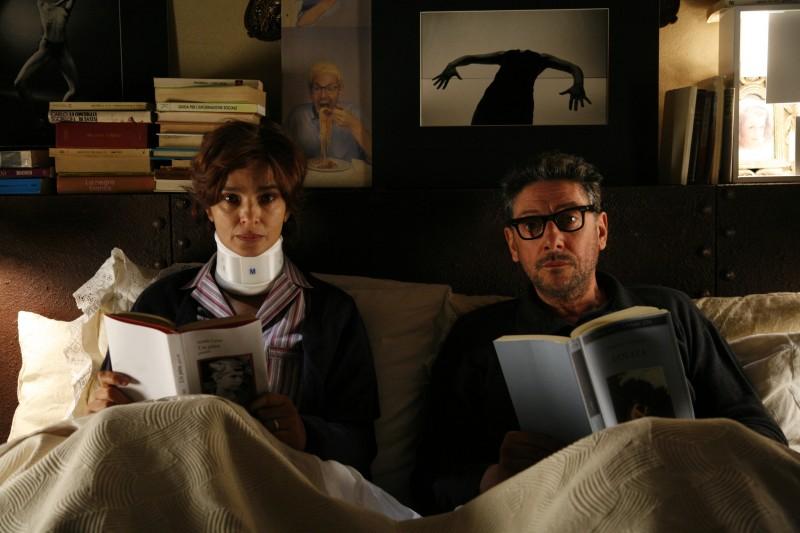 Laura Morante e Sergio Castellitto in una scena del film La bellezza del somaro