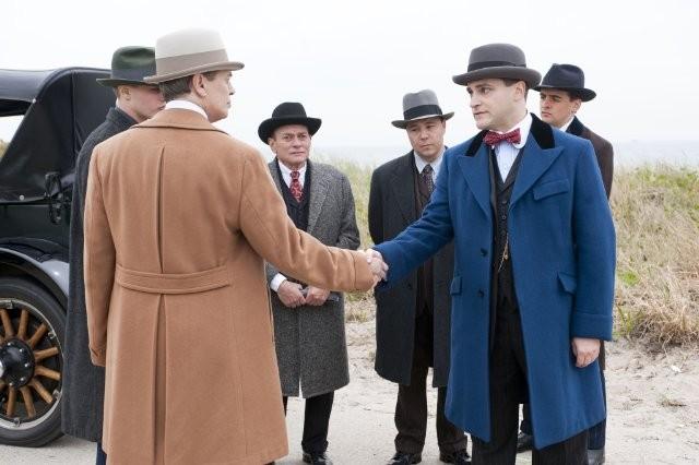 Michael Pitt, Steve Buscemi e Michael Stuhlbarg in una scena dell'episodio A Return to Normalcy di Boardwalk Empire
