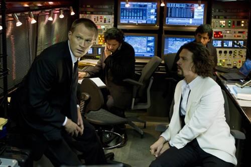 Paul Bettany e Johnny Depp in una scena del film The Tourist