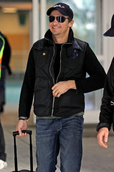 Jeremy Renner all'aeroporto