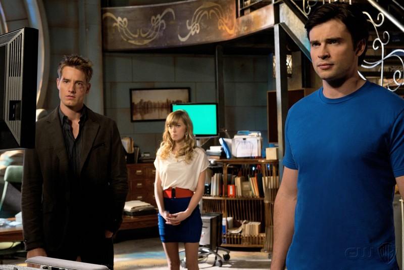 Justin Hartley, Brittney Irvin e Tom Welling nell'episodio Icarus di Smallville