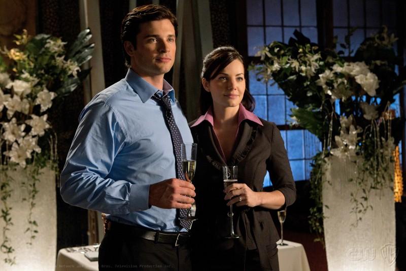 Tom Welling e Erica Durance in un momento dell'episodio Icarus di Smallville