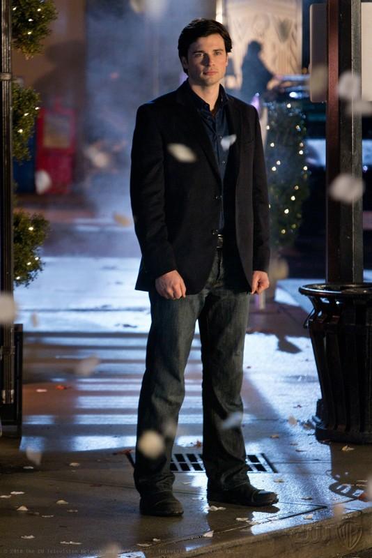 Tom Welling in una scena dell'episodio Icarus di Smallville