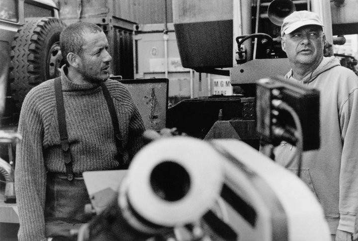 Dany Boon con il regista Jean-Pierre Jeunet sul set del film L'esplosivo piano di Bazil
