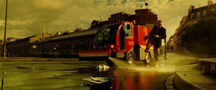 Dany Boon in una sequenza del film L'esplosivo piano di Bazil