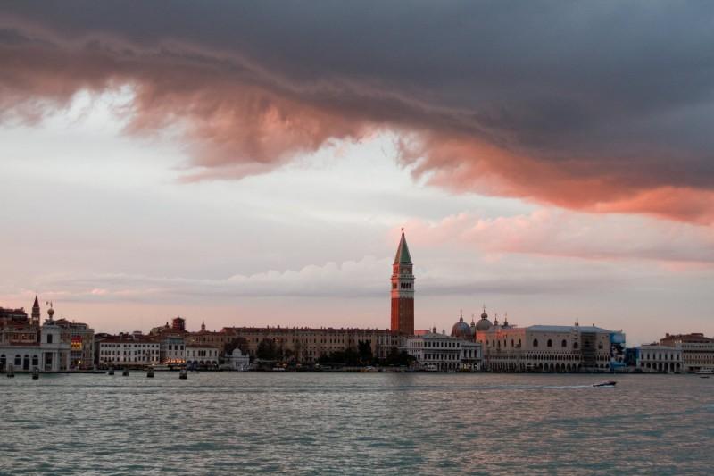 Una suggestiva immagine di Venezia dal thriller The Tourist