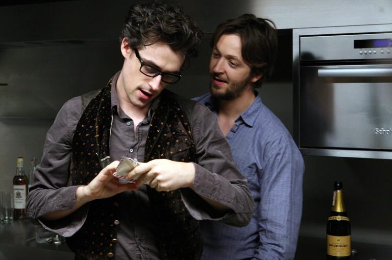 Flavio Parenti e Silvio Muccino in una immagine del film Un altro mondo
