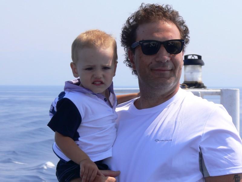 Giuseppe Mattia con suo figlio.