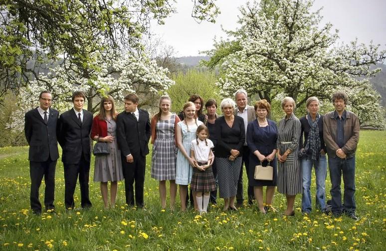 Cast e crew di Wer wenn nicht wir, biopic dedicato alla terrorista della RAF Gudrun Ensslin