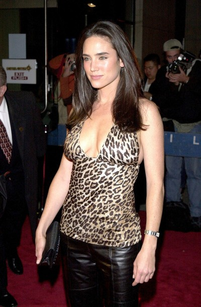 Jennifer Connelly con un top in stampa animalier