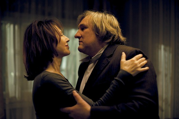 Nathalie Baye e Gérard Depardieu nel film Small World