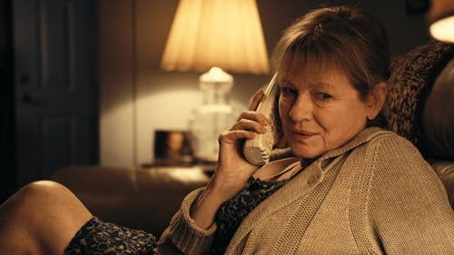 Dianne Wiest in una scena del film Rabbit Hole