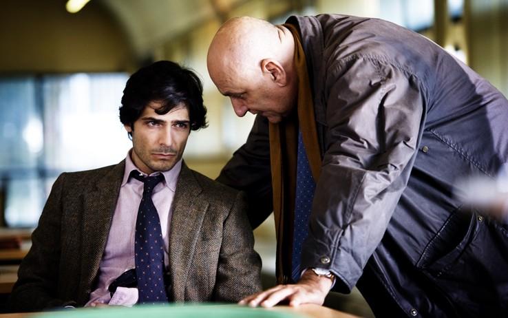 Marco Bocci (Commissario Scialoja) con Dario D'Ambrosi (ispettore Canton) nel nono episodio di Romanzo Criminale 2