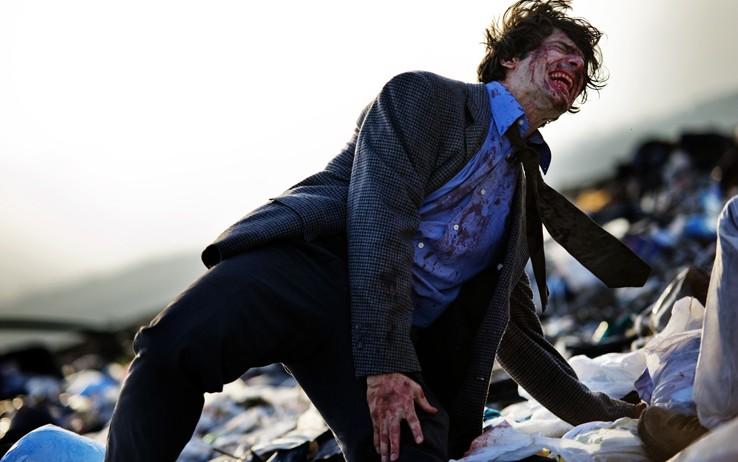 Marco Bocci in una scena tragica del nono episodio di Romanzo Criminale 2