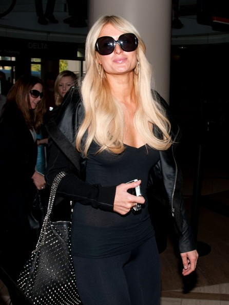 Paris Hilton all'aeroporto di Los Angeles