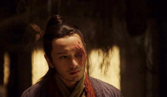 Un mutilato Huang Xiaoming nel dramma cinese Sacrifice