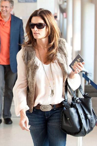 Cindy Crawford all'aeroporto di Los Angeles