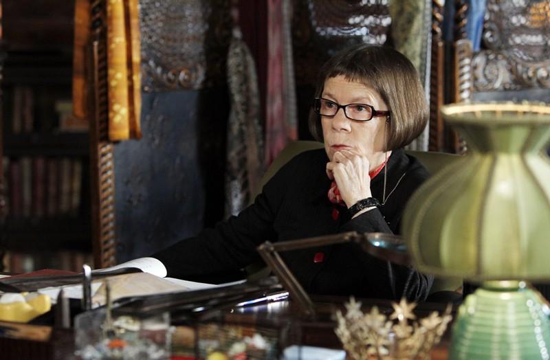 Hetty (Linda Hunt) nell'episodio Disorder di NCIS: Los Angeles