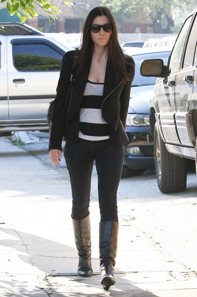 Jessica Biel in direzione di un ufficio a West Hollywood