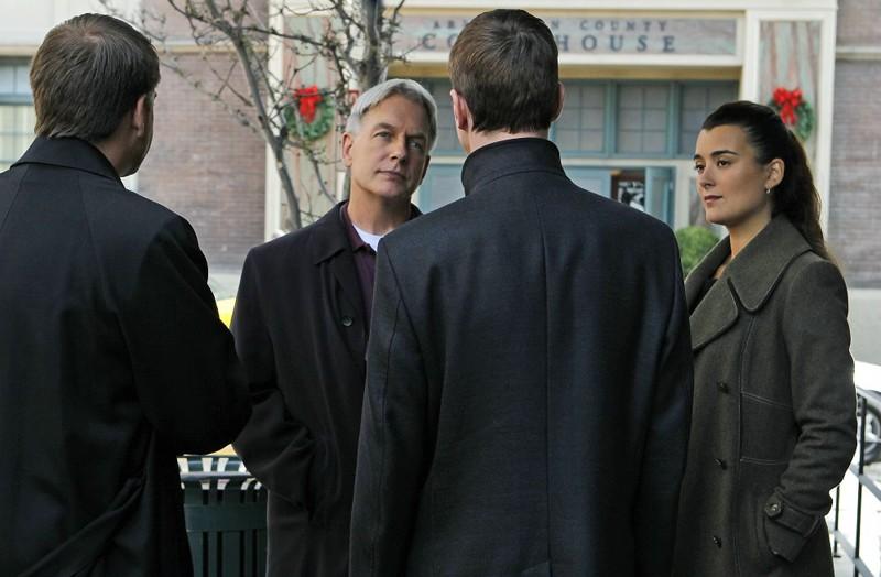 Michael Weatherly, Mark Harmon, Sean Murray e Cote de Pablo in False Witness di NCIS