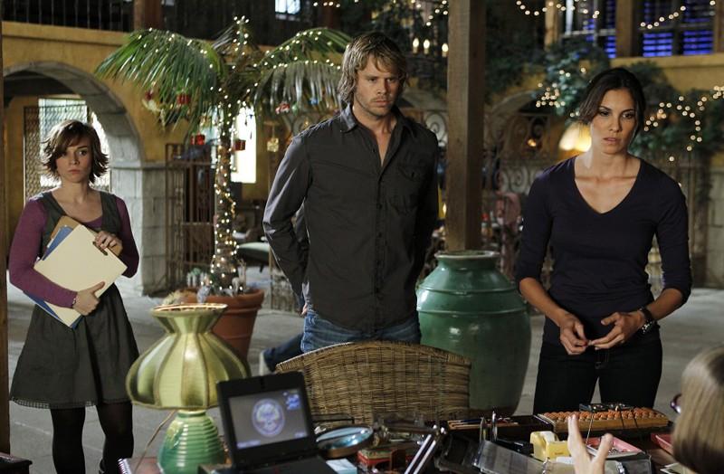 Renée Felice Smith, Eric Christian Olsen e Daniela Ruah nell'episodio Disorder di NCIS: Los Angeles
