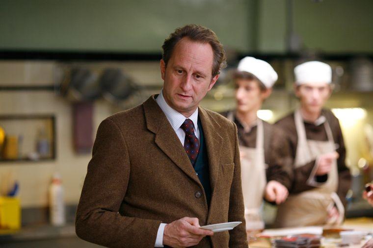 Benoît Poelvoorde nel film Les émotifs anonymes