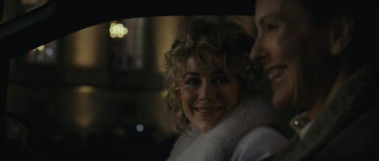 Carole Bouquet e Julie Depardieu in una sequenza del film Libre échange