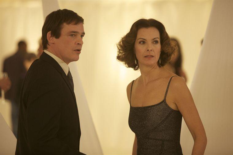 Serge Gisquière e Carole Bouquet in una scena del film Libre échange