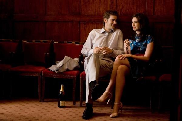 Jim Sturgess e Anne Hathaway coppia fatalista in One Day
